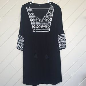 a.n.a Embroidered 3/4 Sleeve Tunic Black & White